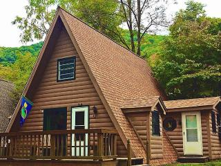 *A-Frame Chalet* Clean, Comfortable, Affordable*, Maggie Valley