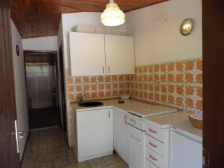 Bright Apartment with Seaview and Balcony, Piran