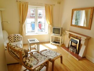 City Centre Quiet Courtyard, 1 Bed, 1st Floor, Dublín