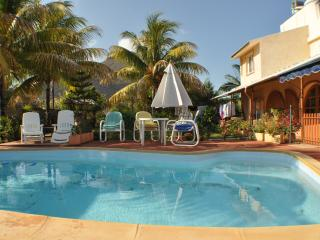 Holiday in Mauritius ? Cosy studio for 2 adults at, Tamarin