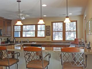 Forest Retreat on 2.7 acres... just 10 min. to dow, Prescott