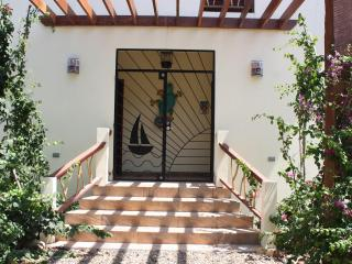 Brand New Villa with pool. One Particular Harbour, Placência