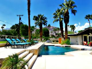 'Paseo Palms' Walk to Shopping on famous El Paseo, Palm Desert