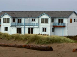 Beachfront - Awsome Views & Private Beach Access, Bandon