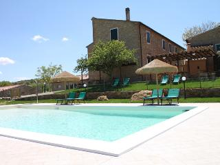 Tuscan house with private pool, for 30 Pers., Pisa