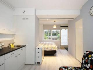 Clean/Studio just 20 minutes from A'dam center, Ámsterdam