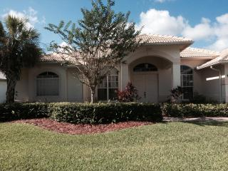 Treasure Coast Nugget Located in Gated Jack Nicklaus Golf Community, Palm City