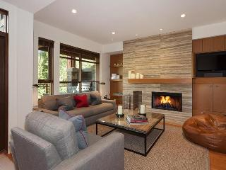 Whistler Ideal Accommodations:Deluxe 4 bdrm plus media room