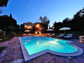 Luxury Villa for 16p in Marche countryside, Montemaggiore al Metauro