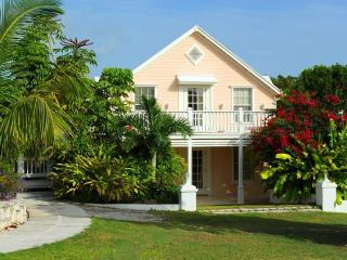 The Peach House Upper Suite, Eleuthera
