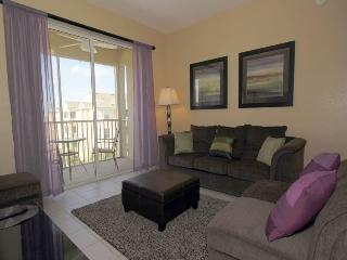 Contemporary, luxuriously furnished 3 bedroom 2 bathroom, 4th floor condo- nearby to Disney, Four Corners