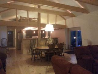 Walk to The Village - Very private home on 3 open, Big Bear Region