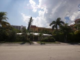 2bed/2bath Beach Home Sanctuary, Pompano Beach