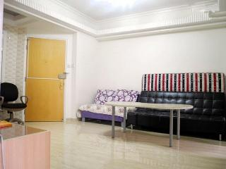 3 Bedroom Near Mong Kok and MTR in Hong Kong, Hongkong