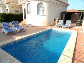Beautiful Villa With Pool Conveniently Located, La Marina