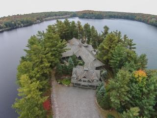 Luxury Muskoka Lakefront Home on 9-acre Peninsula, Mactier