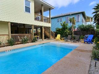 Sol Paraiso in Port Aransas, 4/3 with private pool, pet friendly! Sleeps 14