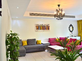 Exclusive Newly-Renovated Four-Bedroom Villa, Dubái