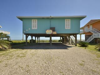 'Just Beachy' Beach Front 3 BR 2 Bath Home, Galveston