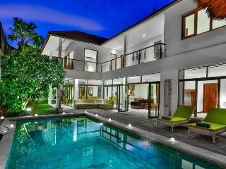 Special Offer PERFECT Villa Coco 4 Bedrms Pool, Kuta