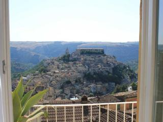 Archimede, apartment with view for 2 people, Ragusa