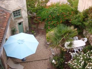 Large, Peaceful,home in center of town on the river, Montmorillon