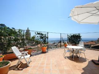 O' Sole Mio with large terrace and sea view, Amalfi