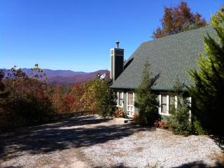 Awe Inspiring Mountain Views - Vista Point Cabin, Bryson City