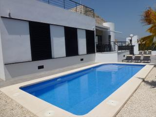 IDEAL FOR FAMILY IN QUIET AREA CLOSE TO EVERYTHING, Polop