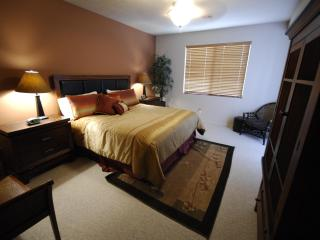 Upscale Executive Condo Suite - 3 BD / 3 BA with 2 Master Suites, St. George