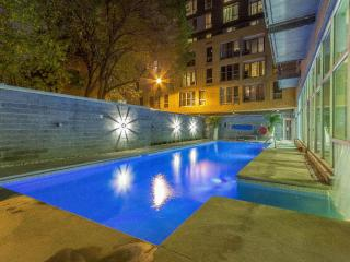 Downtown 2br luxury condo, Montreal
