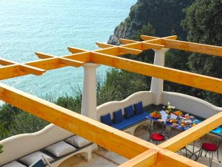 Villa Mirto with terrace and sea view, Conca dei Marini