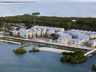 Angler's Reef Coastal Conch Style Vacation Home, Islamorada