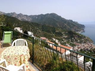 Nonna Anna with terrace and sea view, Ravello