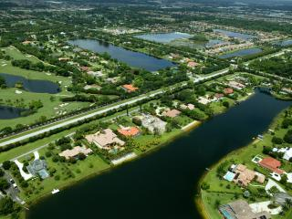 Beautiful Gated Community Home on Ski Lake, West Palm Beach