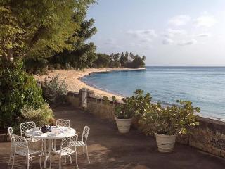 Beautiful coral-stone villa located directly on the luxurious Gibbs beach is set in idyllic tropical gardens, Saint Peter Parish
