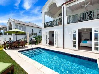 Classic 3 bedroom villa, with golf and tennis nearby. Stunning Sunsets, St. James