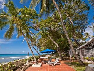 4 bedroom beachfront villa with a gorgeous gardens and beautiful sunsets!, Sunset Crest