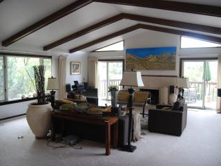 Great home, terrific views, close to everything!, Colorado Springs