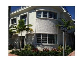 Ocean Breeze Two Bedroom Two Story Townhouse., Miami