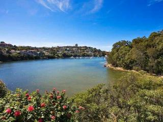Harbour Waterfront Apartment Nr Manly, Albury