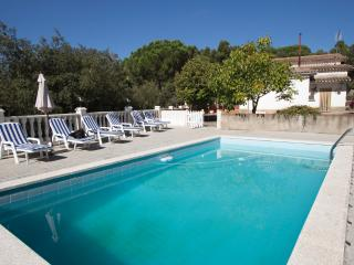 Vacarisses Grande for 18 people with a private pool, 40 minutes from Barcelona and the beach