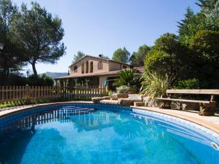 Five-bedroom villa in Vacarisses for 10-12 people just outside of Barcelona