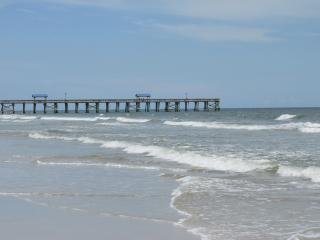 Cozy and Affordable 2BR/2BA Amelia Island Condo, Fernandina Beach