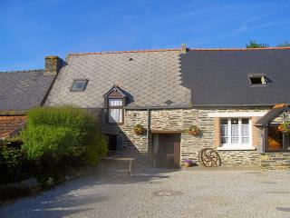 Beautiful stone self-catering accommodation Caurel