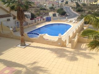 Terraced Endhouse with community pool, Playa Flamenca