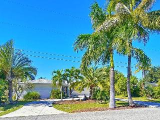Vero BEACH Lakeview with Low Rates, Cape Coral