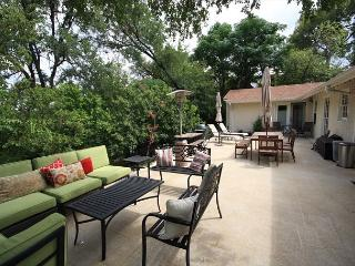 3BR/2BA New Winter Discounts - Magnificent House, South Austin, Sleeps 6