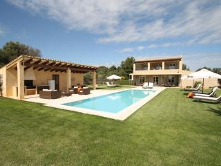 Modern country house with pool & internet, Capdepera