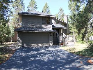 Red Cedar 53 Beautiful  home situated  off Cottonwood road. Great location., Sunriver
